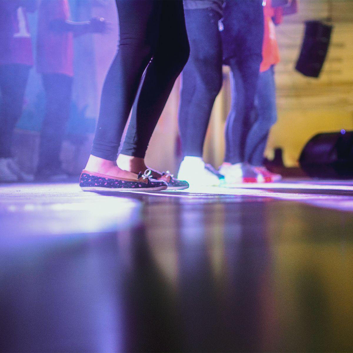 Danse en ligne - Perfectionnement (Vendredi - Groupe 1)