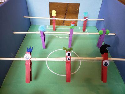 Joueurs d'un jeu de soccer sur table