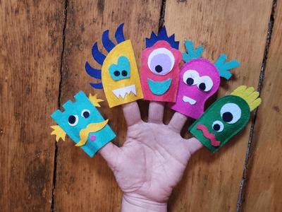 Marionnettes de monstres