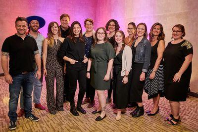 Photo d'artistes accompagnés de l'équipe de production MIFO au lancement artistique 2019-20